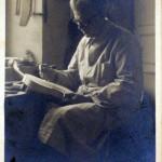 03-gaetano-sgarabotto-1878-1959-nel-laboratorio-di-liuteria-di-parma-nel-1936